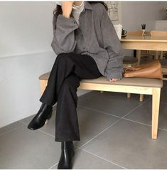Modest Outfits, Cool Outfits, Casual Outfits, Fashion Outfits, Womens Fashion, Aesthetic Clothing Stores, Aesthetic Clothes, Korean Girl Fashion, Casual Asian Fashion