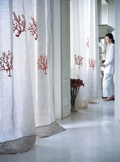 Browse trough the bed linen and furnishing fabrics collection of Mastro Raphaël Haut-Couture for the home. Beach Curtains, Linen Curtains, Linen Bedding, Bedroom Curtains, Beach House Decor, Home Decor Styles, Stores, Soft Furnishings, Colours
