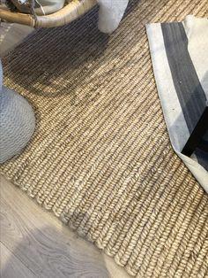 Love this rug Bath Mat, Rugs, Home Decor, Farmhouse Rugs, Decoration Home, Room Decor, Bathroom, Floor Rugs, Rug