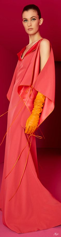 Moda Coral, Coral Fashion, Alexis Mabille, Fashion 2020, Fashion Trends, Glamour, Fashion Labels, French Fashion, Boutique Dresses