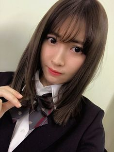 #Haruna_Kojima #小嶋陽菜 #AKB48 Haruna Kojima, Saitama, Beautiful Person, Japanese Girl, Asian Beauty, Short Hair Styles, Singer, Actresses, People