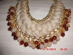 collar de hilo y cadena con perlas de cristal