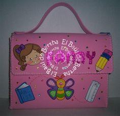 Elaborados en foami colores rosa, amarillo y celeste   Decorados con caritas de niños, bichos, números y utiles   escolares ...