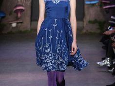 Invitadas 2015: Vestidos de fiesta en color azul klein, marino y cerúleo… ¡Sofisticación que conquista!