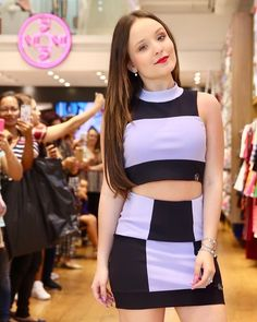 Estilo Selena Gomez, Looks Teen, Rare Images, Brazilian Girls, Cheer Skirts, Diva, Casual Outfits, Fashion Dresses, Two Piece Skirt Set