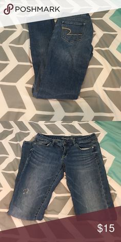 Medium wash jeans Very comfortable jeans. Worn a handful of times. Size 8 long American Eagle Outfitters Jeans Skinny