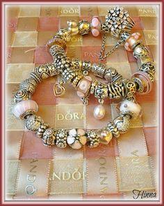Des bracelets Pandora composés, des idées, des couleurs, des suggestions de design, pour tous les goûts et toutes les humeurs. #pandora #bracelets #set #parures #bijoux #pandorabracelets www.bijoux-et-charms.fr
