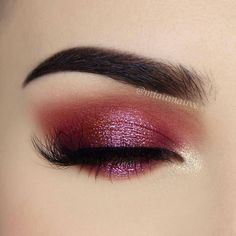 """7,307 Likes, 24 Comments - NABLA Cosmetics (@nablacosmetics) on Instagram: """"Cranberry twinkle ✨ We immediately fell in love with this eye-look by @miaumauve! She blended and…"""""""