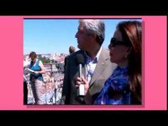 Sula Miranda em Portugal com a EXPLORE LATITUDES na Baixa Pombalina. Gravação sobre a Baixa Pombalina para programa de TV Brasileira com o apoio e guia da EXPLORE LATITUDES.