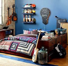 Great ideas for decorating teen boys rooms!
