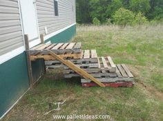 Stairs Made from Pallets
