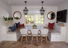 Kathryn Miller Interiors // Dining Room Banquette