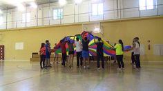 Encestar con paracaídas 0427 Juegos Motores #JuegosMotores #INEF #CCAFD #UGR #HPE #PhysicalActivity #PhysicalEducation #ActiveGames @Fac_Deporte_UGR @UGRdivulga