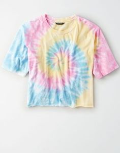 Shop Women's American Eagle Outfitters size M Crop Tops at a discounted price at Poshmark. Description: American Eagle tye die boxy t-shirt Good condition. Cute Tie Dye Shirts, Diy Tie Dye Crop Top, Tye Die Shirts, Tie Dye Tops, Camisa Tie Dye, Batik Mode, Tie Day, Tie Dye Crafts, Tie Dye Fashion