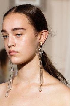 Schiaparelli Fall 2017 Couture Accessories Photos - Vogue