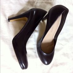Black Heels Gently used. May fit a 6.5 Franco Sarto Shoes Heels