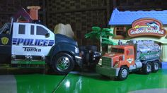 POLICE CHASE Pursuit HOT WHEELS Toy CARS Crashing ACTION!