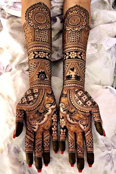 wedding a beautiful day is incomplete without mehndi design indian. mehndi design indian wedding is full of masti and also creativity. check out some amaing mehndi design indian arabic. WHICH ONE IS BEST mehndi design indian? Henna Hand Designs, Mehndi Designs Finger, Wedding Henna Designs, Engagement Mehndi Designs, Latest Bridal Mehndi Designs, Full Hand Mehndi Designs, Mehndi Designs 2018, Mehndi Design Photos, Beautiful Mehndi Design