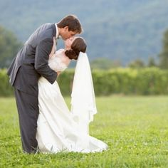A kiss to celebrate their marriage! This adorable couple had a classy wedding at the beautiful King Family Vineyards.