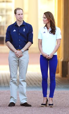 Kate Middleton and Prince William Olympic Torch Pictures Photo 10