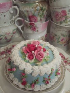 cake to match the pretty china ...
