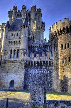Castillo de Butrón, Gatika, Vizcaya, Spain https://www.facebook.com/BeautifulCastles/photos/a.462935337174293.1073741828.375882672546227/662936077174217/?type=1