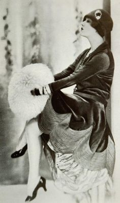 Afternoon dress by Jenny - November 1927 - Les Modes (Paris) - @~ Mlle #vintage #fashion #Paris