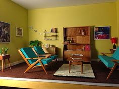 Architecture of Tiny Distinction: Mid Century Dollhouse