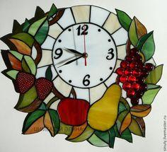 """Часы для дома ручной работы. Ярмарка Мастеров - ручная работа Витражные часы """" Фруктовые"""". Handmade."""