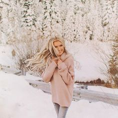 trend 2018 for women photoshoot poses Winter Fashion Outfits, Winter Outfits, Autumn Fashion, Fashion Fashion, Womens Fashion, Fashion Trends, Urban Fashion, Trendy Fashion, Snow Photography