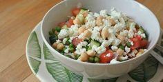 Een lekkere en lichte kikkererwten salade die toch heel voedzaam is. Kikkererwten zijn een goede bron van plantaardige eiwitten.