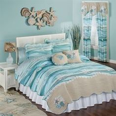 Make your bedroom a relaxing getaway with a beach themed bedroom. There are so many different decorating ideas when it comes to making the perfect beach theme for your bedroom. The key to decorating your bedroom in any kind of… Continue Reading → Coastal Quilts, Ocean Bedroom, Teenage Beach Bedroom, Beach Bedroom Decor, Wood Bedroom, Trendy Bedroom, Deco Marine, Coastal Bedrooms, Beach Themed Bedrooms