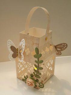 Butterfly lantern 661093