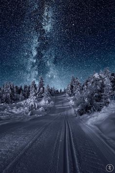 Irgendwo in Norwegen . - Irgendwo in Norwegen … - Somewhere in Norway . - Somewhere in Norway . Ciel Nocturne, Winter Beauty, Winter Scenes, Milky Way, Amazing Nature, Night Skies, Belle Photo, Pretty Pictures, Amazing Photos