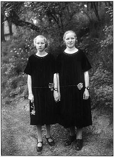 Identical Twins, Ros