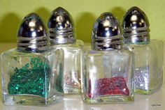 Tippytoe Crafts: Christmas (glitter shakers)