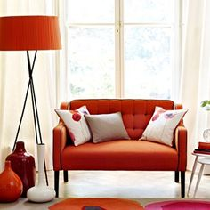 Sanderson Poppies Rugs feature a floral design with a selection of complementary colours that are designed to suit a contemporary room setting. Deco Orange, Orange Orange, Orange Rugs, Red Rugs, Interior Exterior, Interior Design, Orange Carpet, Bright Walls, Carpet Design