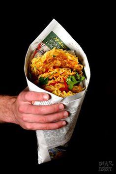 Nudelpuffer mit Erdnuss-Paprikasambal #Rezept #Streetfood