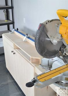 Miter Saw Station | Kreg BuildSomething #woodworkingideas #WoodworkingBench