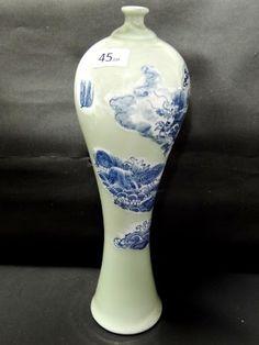 Imponente Vaso em porcelana verde oliva decoração azul com Dragão, China, Séc.XIX Dinastia Mandchu, alt,34cm. Raro