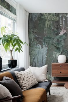 Room Wallpaper, Wallpaper Ideas, Mid Century Living Room, Living Room Inspiration, Mauritius, Beautiful Interiors, Dusk, Wall Murals, Home