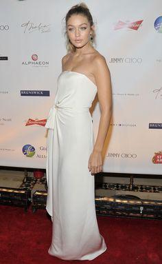 Gigi Hadid has the Greek goddess pose downnnn