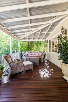 a beautiful Woodbridge weatherboard cottage renovation veranda. a beautiful Woodbridge weatherboard cottage renovation veranda. a beautiful Woodbridge weatherboard cottage renovation Farmhouse Garden, Farmhouse Plans, Country Farmhouse, Modern Farmhouse Porch, Farmhouse Trim, Weatherboard House, Queenslander, Farmhouse Renovation, Patio Renovation Ideas