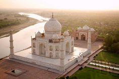 Palais du Taj Mahal, au bord de la rivi�re Yamuna, en Inde