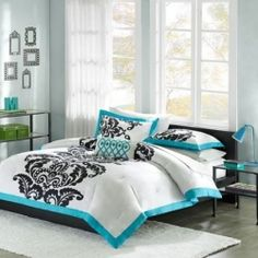 Here you will find some of the hottest styles for a teal and black bedroom. Teal and black is one of my favorite color pairs because of the intense...