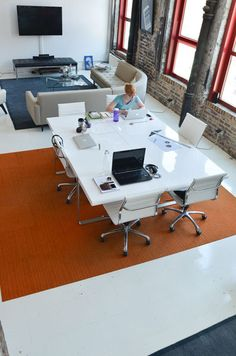 A good inspiration photo for a collaboration area, workstations, group projects, training area, etc. etc.-- Knoll chairs