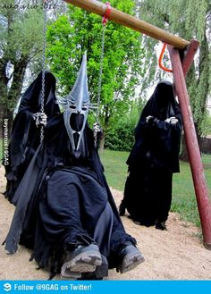 Funny pictures about One does not simply swing into Mordor. Oh, and cool pics about One does not simply swing into Mordor. Also, One does not simply swing into Mordor. Legolas, Thranduil, Gandalf, Beau Film, O Hobbit, Hobbit Funny, Hobbit Humor, One Does Not Simply, J. R. R. Tolkien