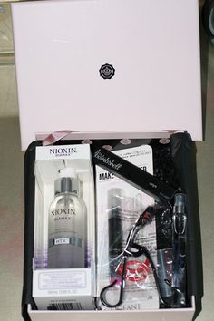 #Glossybox September First Review and Reveal #subscriptionboxreview