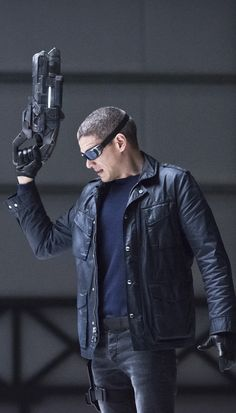 Legends of Tomorrow - 1x12 Wentworth Miller (Leonard Snart / Captain Cold) HQ