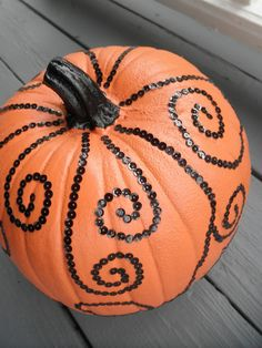 Bling Bling... PUMPKIN!  I'd like to try this design with a drill, too.  So cool!